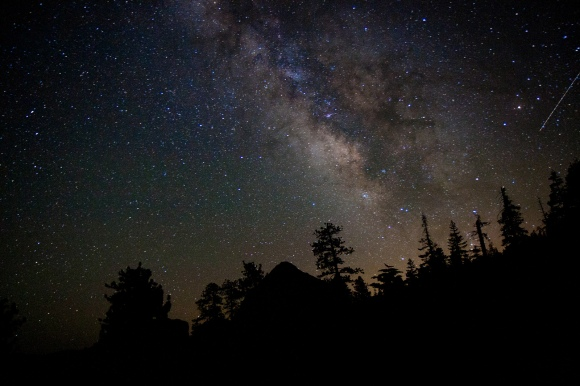 Night-Sky-In-Yosemite-by-nimishgogri