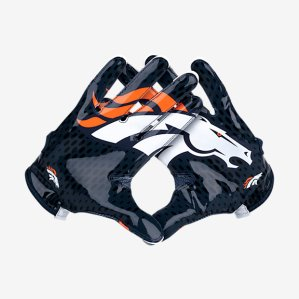 See that hole in between the gloves? SOMEONE HAS PROBABLY FUCKED THAT HOLE.